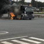 (火事)ミニストップが消火器を貸さずでダンプが火災!駐車場の修理費請求でさらに炎上か